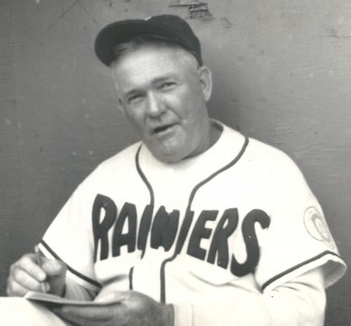 1951 - L Hall of Famer Rogers Hornsby manager dei Seattle Rainiers 3d863d725b92